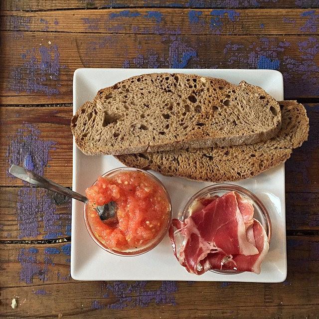 Jamón ibérico en el desayuno