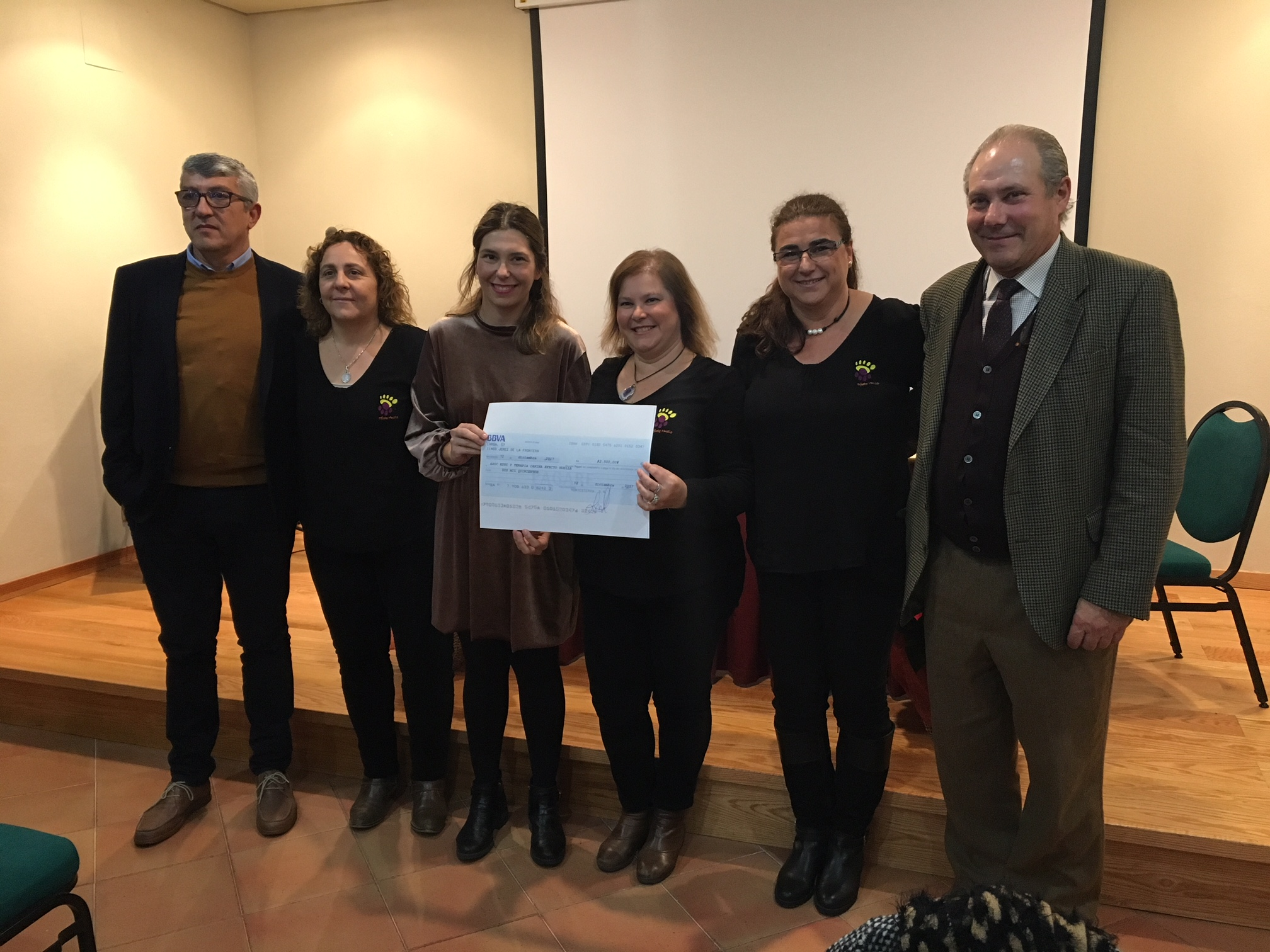Representantes de Efecto Huella en la entrega de premios